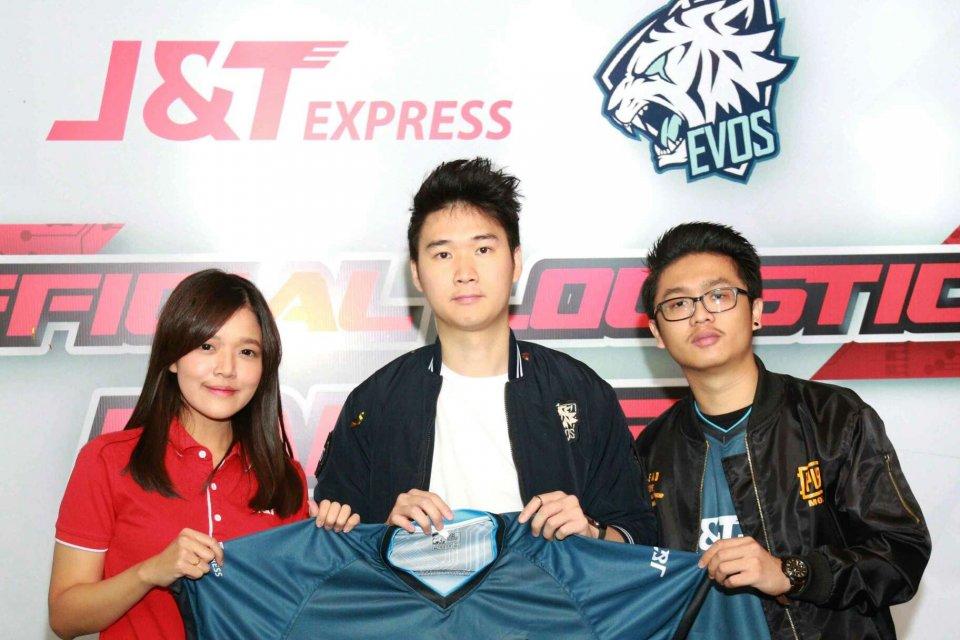 gim online atau esports, logistik J&T Express