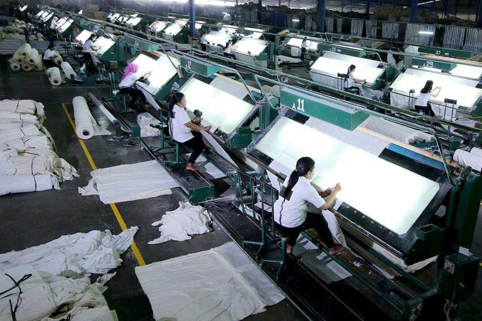 Suasana di Pabrik Duniatex
