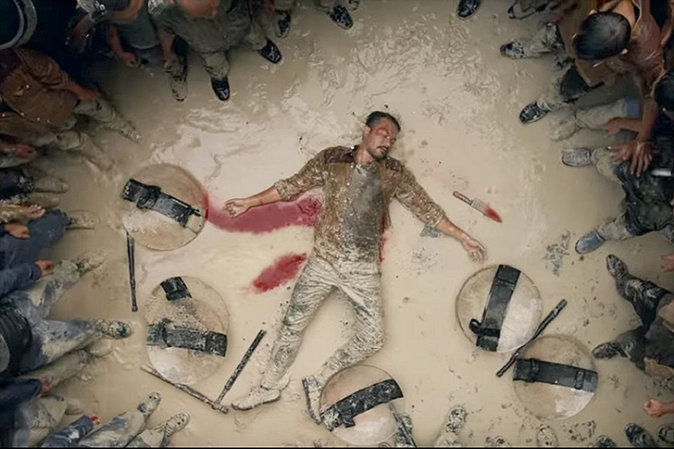 Potongan adegan dalam teaser trailer film Gundala yang disutradarai Joko Anwar.