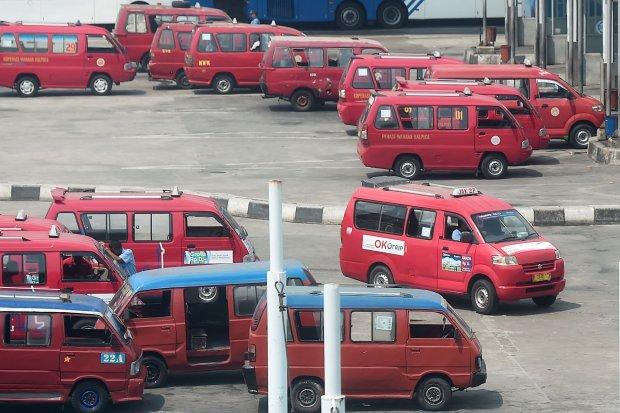 psbb, jakarta, penumpang angkot, transportasi umum