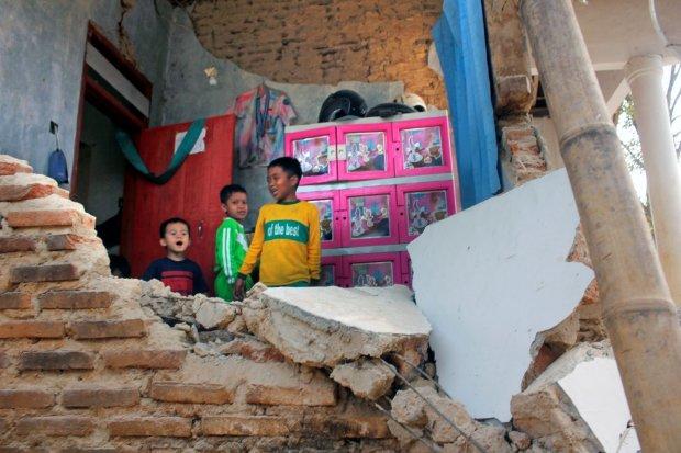 BMKG memastikan informasi terkait gempa susulan bermagnitudo 9 tidak benar.