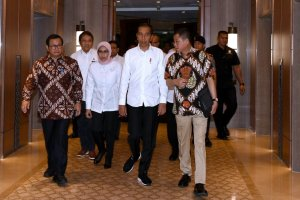 Jokowi Datangi PLN