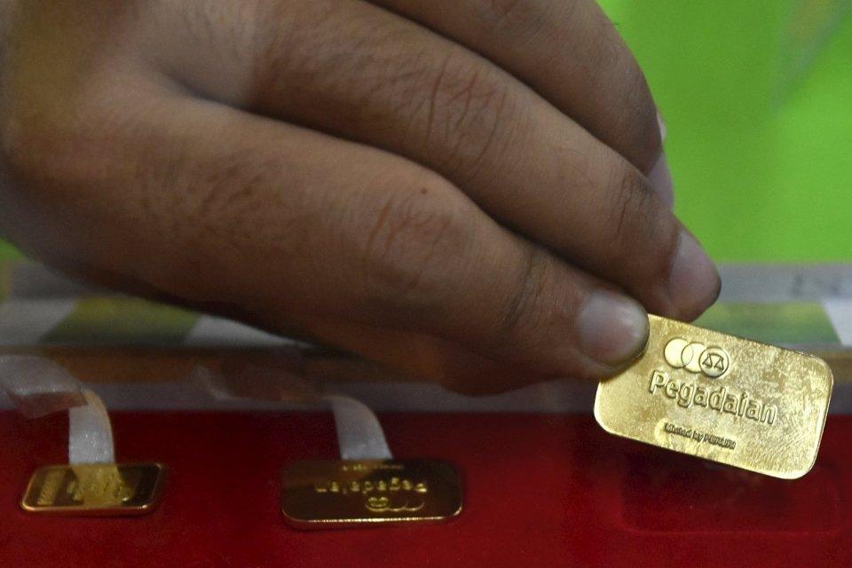 harga emas turun Rp 1.000