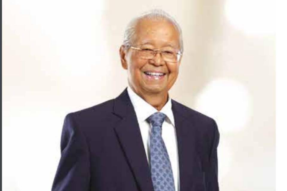 Mantan menteri pada era Presiden RI kedua Soeharto, Cosmas Batubara, meninggal dunia pada Kamis, 8 Agustus 2019 pukul 03.27 WIB. Cosmas menjabat rektor Universitas Podomoro, ia juga menjadi direktur utama PT Agung Podomoro Land Tbk (APLN).
