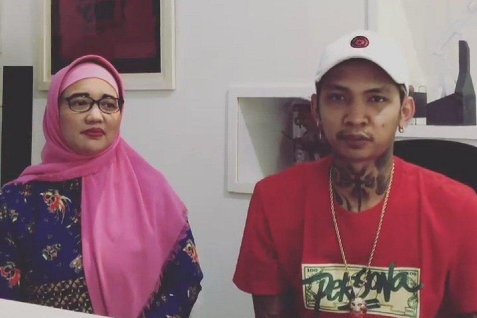 Komisioner KPAI Retno Listyarti dan YouTuber, Young Lex membuka tanya jawab dengan warganet terkait lagu berjudul 'lah bodo amat' melalui akun Instagram, @young_lex18.