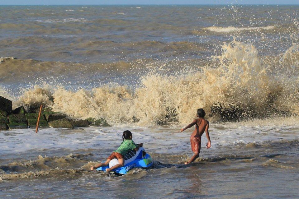 gelombang tinggi, laut, bmkg