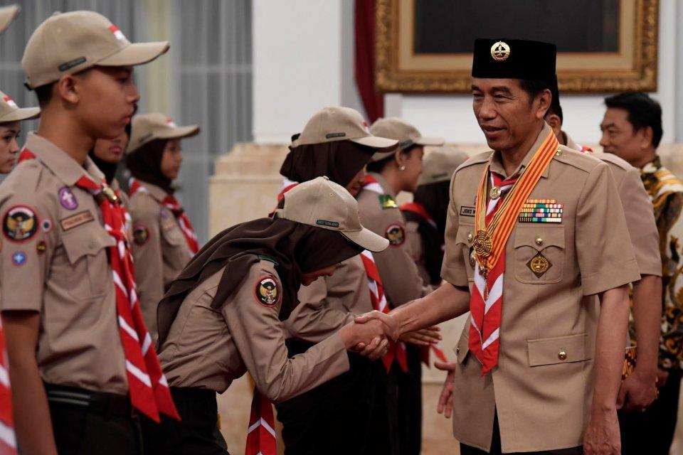 Hari Pramuka, sejarah hari pramuka, Bapak Pramuka Dunia, Bapak Pramuka Indonesia, Sultan Hamengku Buwono IX, Henry Dunant
