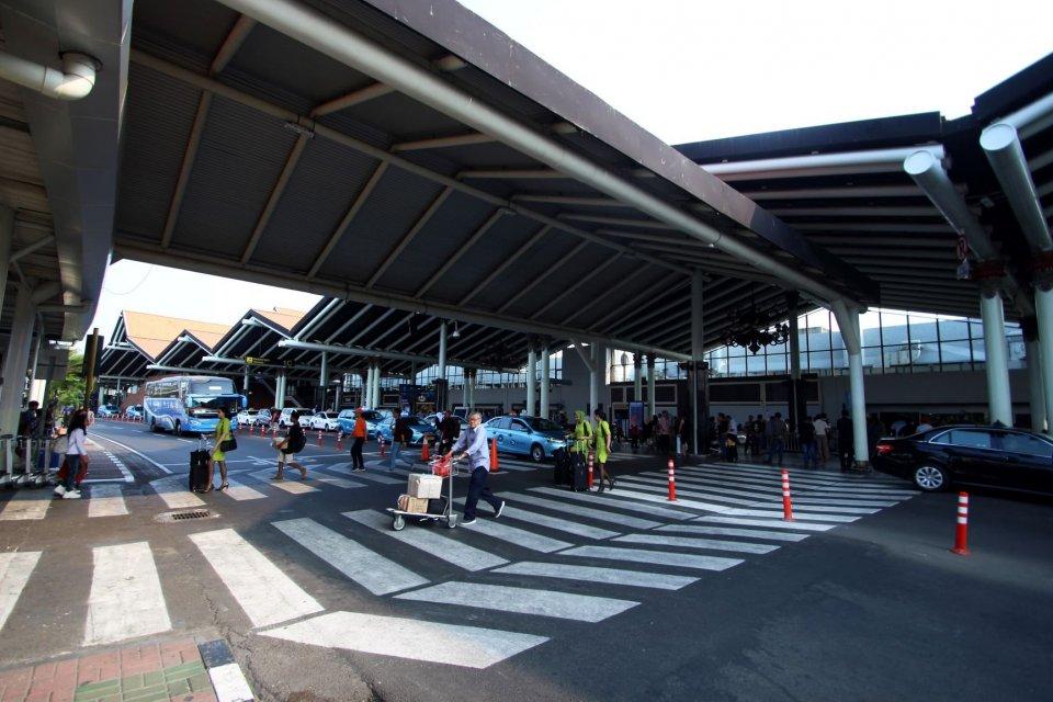 bandara soekarno hatta, bandara halim perdanakusuma, jadwal penerbangan, penerbangan dialihkan