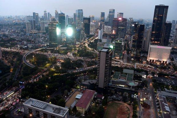 Pemandangan gedung bertingkat terlihat dari ketinggian di Jakarta, Jumat (9/8/2019). Badan Pusat Statistik (BPS) melaporkan data pertumbuhan ekonomi Indonesia pada kuartal II tahun 2019 sebesar 5,05 persen (year on year/yoy), atau lebih rendah dibandingka