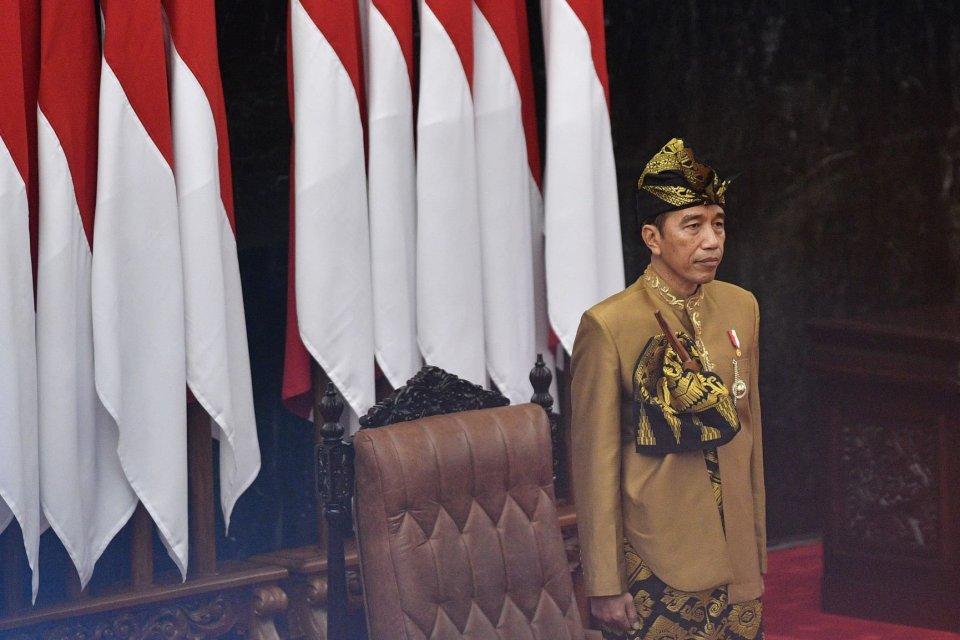 jokowi, pidato kenegaraan, pakaian adat NTB, pakaian adat yang dipakai Jokowi di DPR