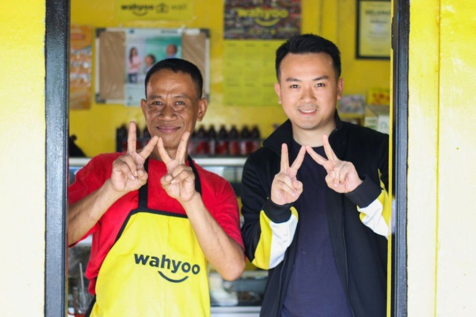 CEO Wahyoo Peter Shearer (kanan) dan mitranya. Wahyoo menargetkan bisa menggaet 13 ribu warung makan hingga akhir tahun ini.