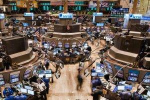 Suasana NYSE, Wall Street, New York, Amerika Serikat.