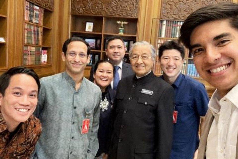 Pimpinan Gojek, yakni Nadiem Makarim dan Andre Soelistyo bertemu dengan Perdana Menteri Malaysia Perdana Menteri Malaysia Tun Mahathir Mohamad, Menteri Pemuda dan Olahraga Malaysia Syed Saddiq, dan Menteri Transportasi Anthony Loke Siew Fook kemarin (19/8