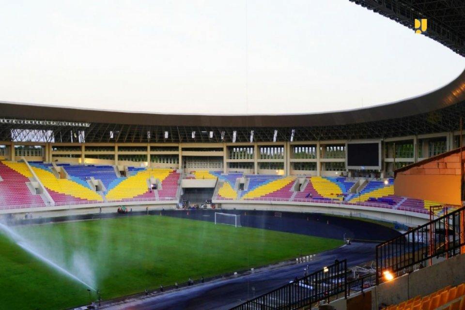 Pembangunan Stadion Manahan sudah mencapai 96%. Kementerian PUPR sarana olahraga ini selesai dibangun bulan depan.