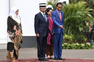 Jokowi Sambut Raja Malaysia