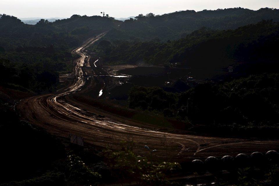 Ilustrasi, area pertambangan batu bara. Organisasi lingkungan Greenpeace mengkritik pengesahan UU Minerba sarat kepentingan, dan hanya berpihak pada pengusaha pertambangan.