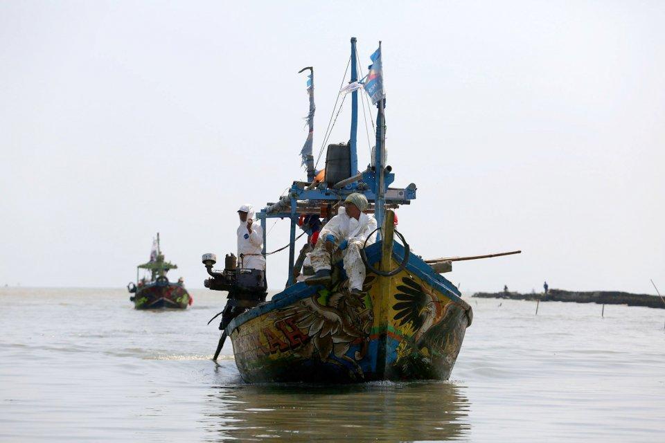 tumpahan minyak, blok ONWJ, nelayan di karawang, kompensasi