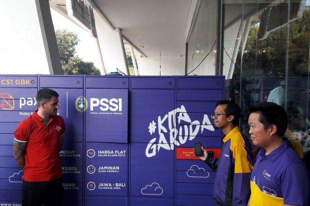 Startup di bidang logistik, Paxel menyediakan loker pintar di area Glora Bung Karno. Rencana ekspansi startup logistik, Paxel terhambat banyaknya persoalan di industri penerbangan.