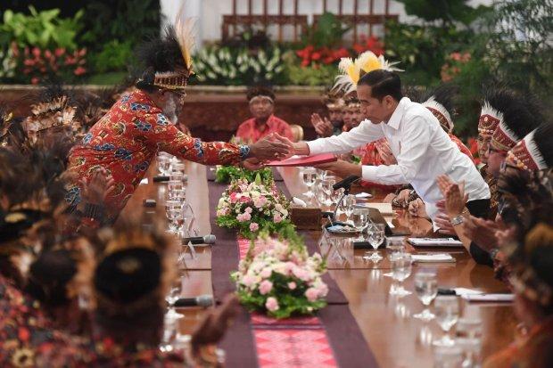 Abisai Rollo, Papua, Jokowi.