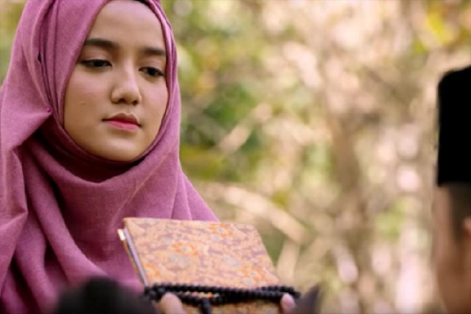 Potongan adegan film The Santri yang disutradarai oleh Livi Zheng atas inisiasi PBNU.