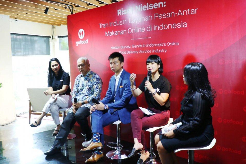 riset nielsen singapura menunjukkan gofood pioner layanan pesan-antar makanan di Indonesia