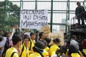 Aksi Mahasiswa Menolak Revisi UU KPK