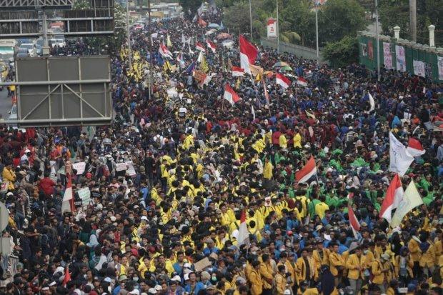 Aksi Mahasiswa di Gedung DPR