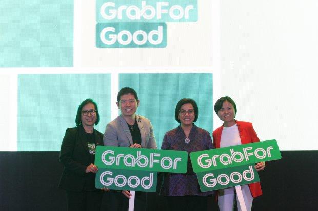 (Dari kiri ke kanan) Managing director Grab Indonesia, CEO Grup Grab Anthony Tan, dan Menteri Keuangan Sri Mulyani saat meluncurkan program Grab for Good. Grab menargetkan bisa menggaet 10 juta UMKM pada 2025.