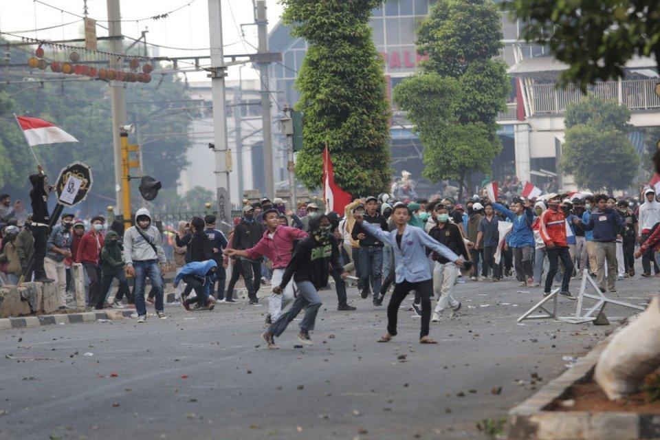 Demonstrasi Berujung Rusuh, Pengelola Mal Merugi