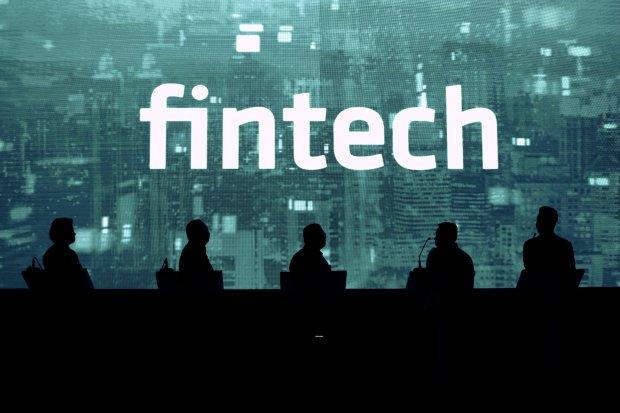 Bank Besar Fokus ke Neobank, Fintech Lending Gencar Gaet BPR
