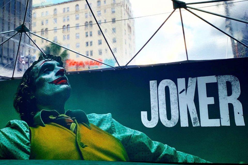 Poster film Joker pada saat pemutaran perdana di Los Angeles, Amerika Serikat (AS) pada 29 September 2019.