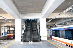 Kereta Bandara Layani Penumpang di Stasiun Manggarai