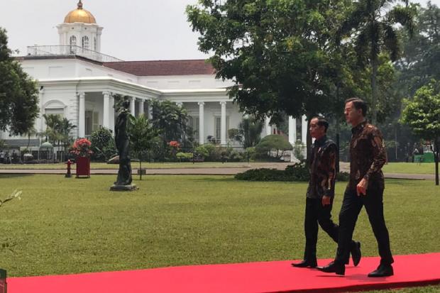 Presiden Jokowi bertemu dengan Perdana Menteri Belanda di Istana Bogor. Pada pertemuan hari ini, keduanya akan melakukan sejumlah agenda dan pembicaraan, salah satunya terkait kerja sama ekonomi strategis.