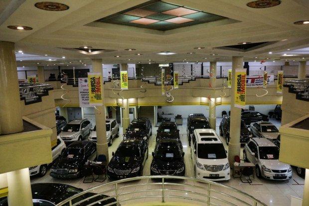 relaksasi pajak, emiten otomotif, perusahaan otomotif, mitra pinathika, astra, indomobil