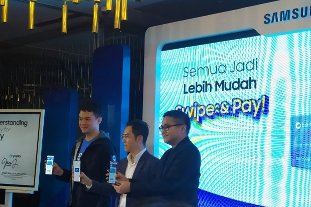 Pengumuman kerja sama Samsung dengan GoPay dan DANA, melalui Samsung Pay. GoPay dan DANA bisa diakses lewat Samsung Pay.