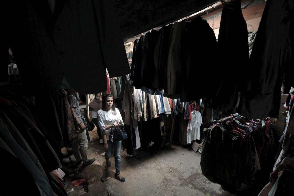 Ilustrasi, penjualan pakaian bekas impor. DJBC Kemenkeu menindak 311 kapal yang mengimpor baju bekas (ballpress) sejak awal tahun ini.