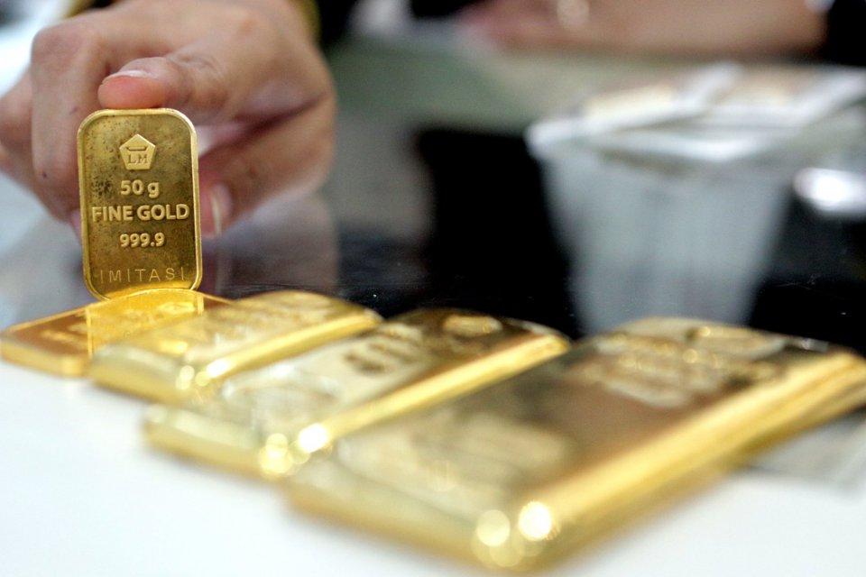 Investor Panik Virus Corona, Harga Emas Anjlok pada Akhir Pekan ...