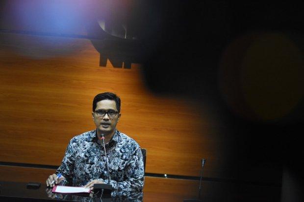 korupsi, mantan bupati Seruyan, Darwan Ali, tersangka kasus korupsi, Pelabuhan laut teluk segintung, KPK