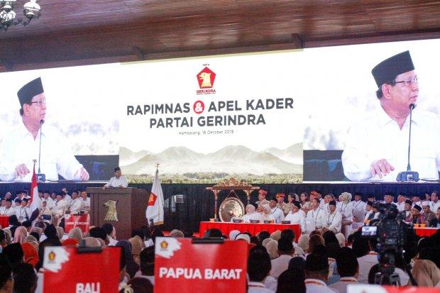 Ketua umum Partai Gerindra Prabowo Subianto memberikan pidato politik pada Rapimnas dan Apel Kader Partai Gerindra di Hambalang, Kabupaten Bogor, Jawa Barat, Rabu (16/10/2019). Ada empat agenda yang dilaksanakan dalam Rapimnas tersebut.