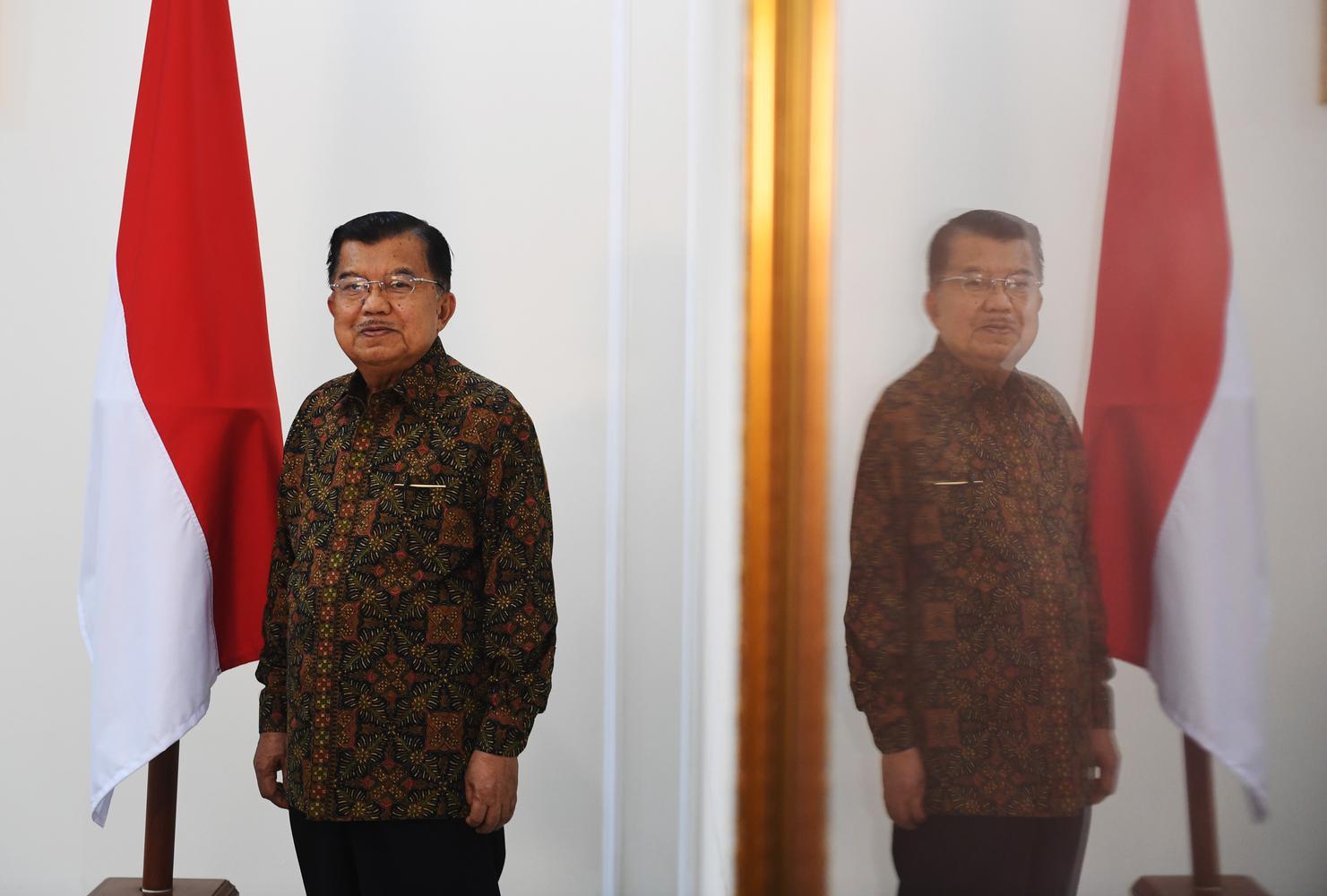 Ketua Dewan Masjid Indonesia Jusuf Kalla berharap Masjid Apung Jakarta tak terpapar radikalisme.