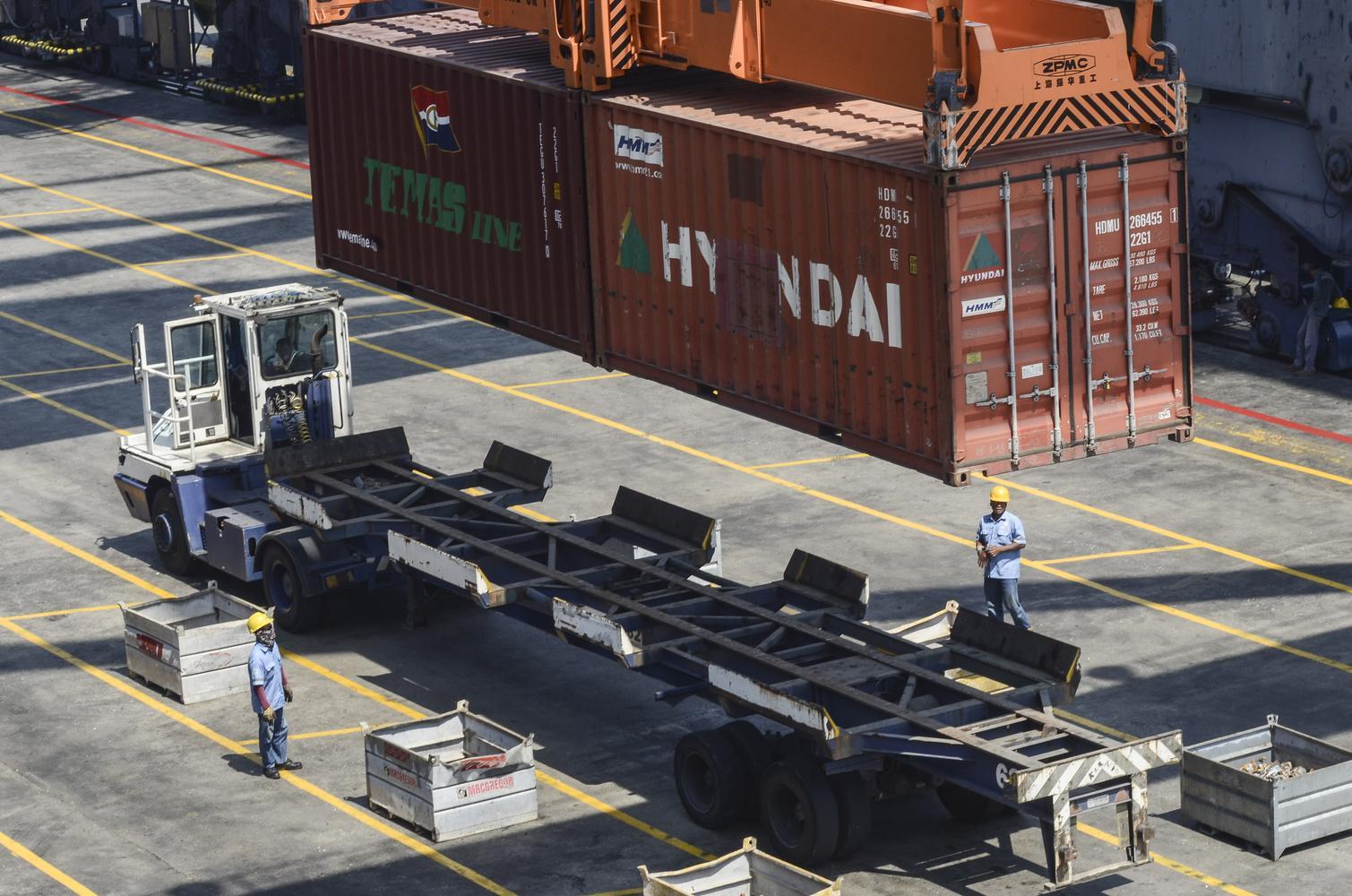 Ilustrasi aktivitas di pelabuhan. Kadin menyebut Indonesia mampu mengambil peluang untuk meningkatkan ekspor ke Amerika Serikat (AS) di tengah perang dagang.