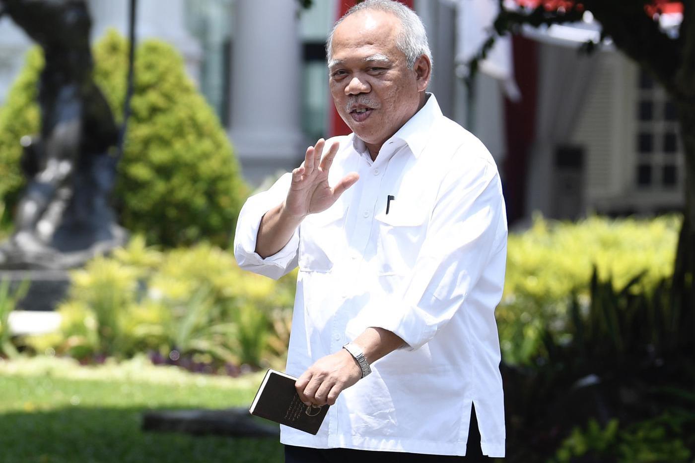 Menteri PUPR 2014-2019 Basuki Hadimuljono tiba di Kompleks Istana Kepresidenan di Jakarta, Selasa (22/10/2019).