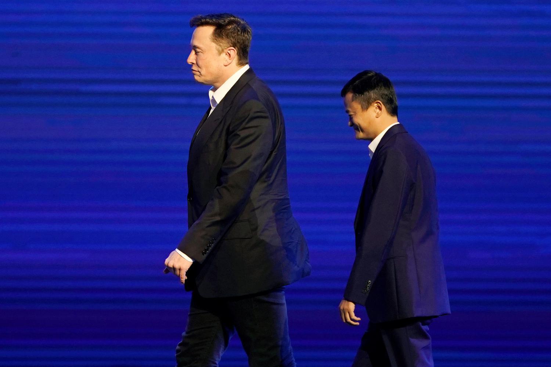 CEO Tesla Inc Elon Musk dan Ketua Eksekutif Alibaba Group Holding Ltd Jack Ma menghadiri Konferensi Kecerdasan Buatan Dunia (WAIC) di Shanghai, China, Kamis (29/8/2019).