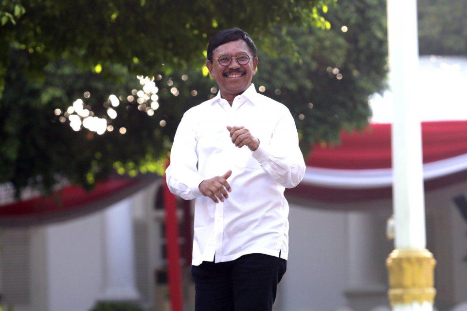 Menteri Kominfo Johnny Plate membuka peluang untuk membatasi internet untuk meminimalkan penyebaran hoaks pada situasi tertentu.