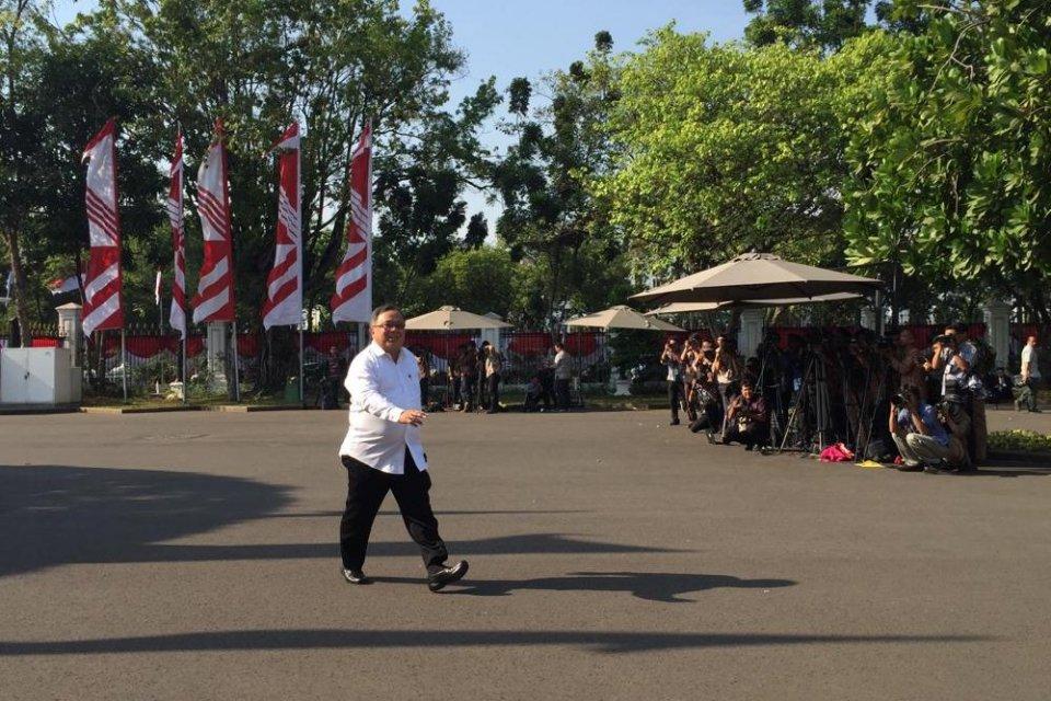 Mantan Menteri PPN/Bappenas Bambang Brodjonegoro datang ke Istana Negara pada Selasa (22/10).