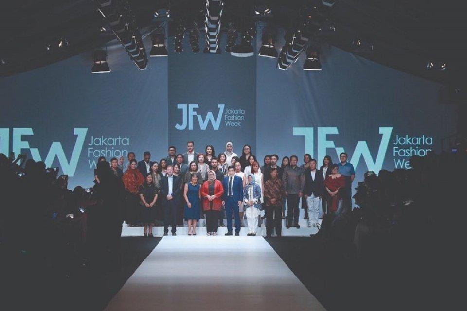 Kementerian Pariwisata menjadikan Jakarta Fashion Week (JFW) sebagai agenda nasional untuk meningkatkan jumlah kunjungan wisatawan.