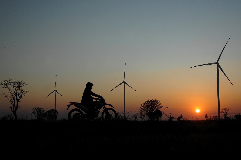 pln, pembangkit listrik tenaga angin