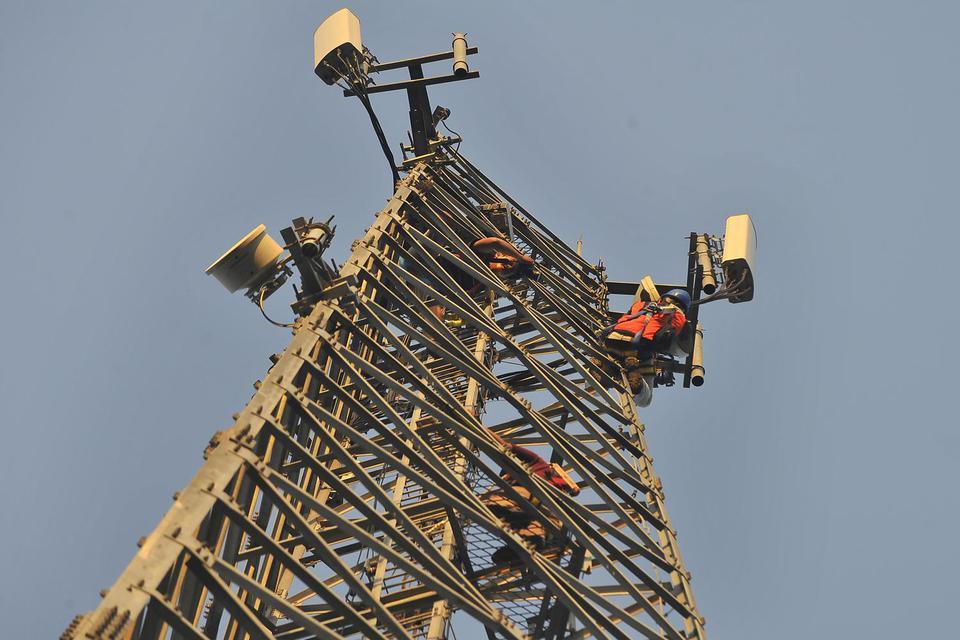 Kominfo Minta Operator Segera Pulihkan Infrastruktur telekomunikasi yang Terdampak Banjir