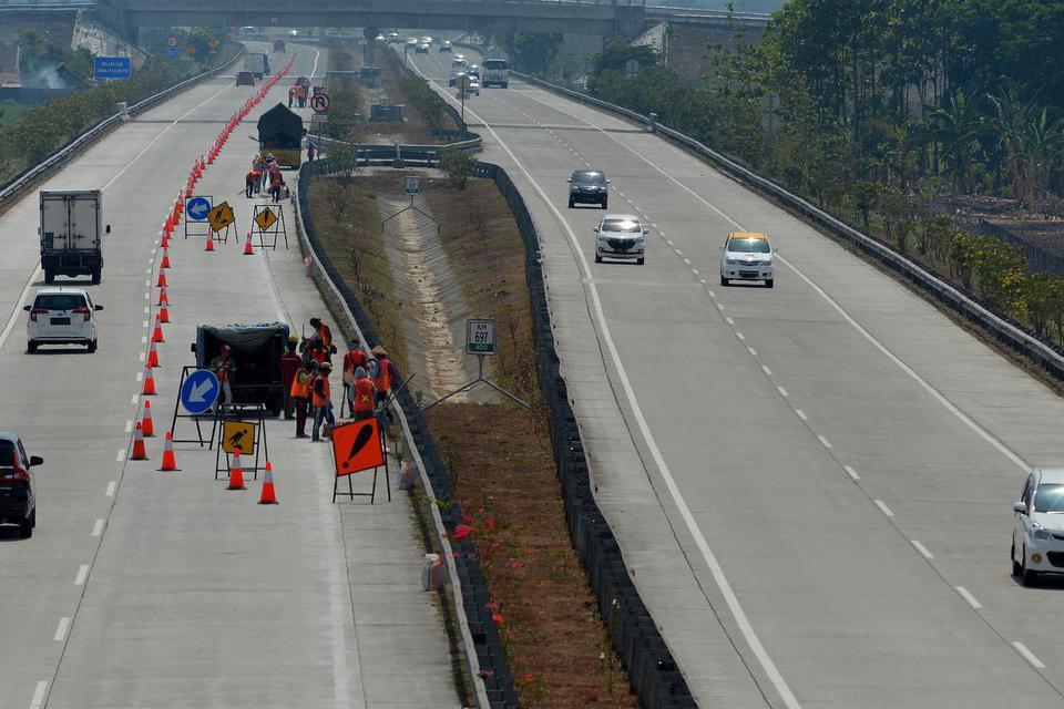 PT Jalan Tol Seksi Empat (JTSE) selaku pengelola Jalan Tol Seksi IV Makassar, bakal menaikkan tarif tol mulai 22 November 2019.