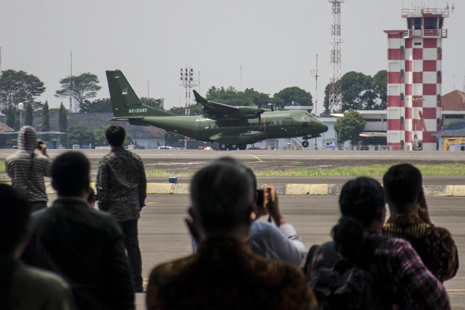 pesawat CN235-220, spesifikasi pesawat CN235-220, ekspor pesawat ke Nepal, PT Dirgantara Indonesia, pesawat produksi Indonesia, karya anak bangsa, berita terkini hari ini